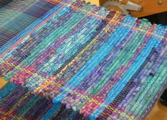 Rag-Rug-Weaving10